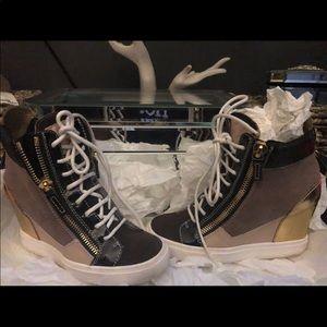 Giuseppe Heal Gym Shoe